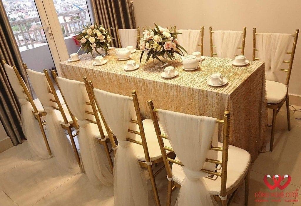 Cho thuê bàn dài cao cấp