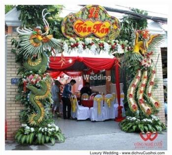 Cổng rồng phụng đám cưới