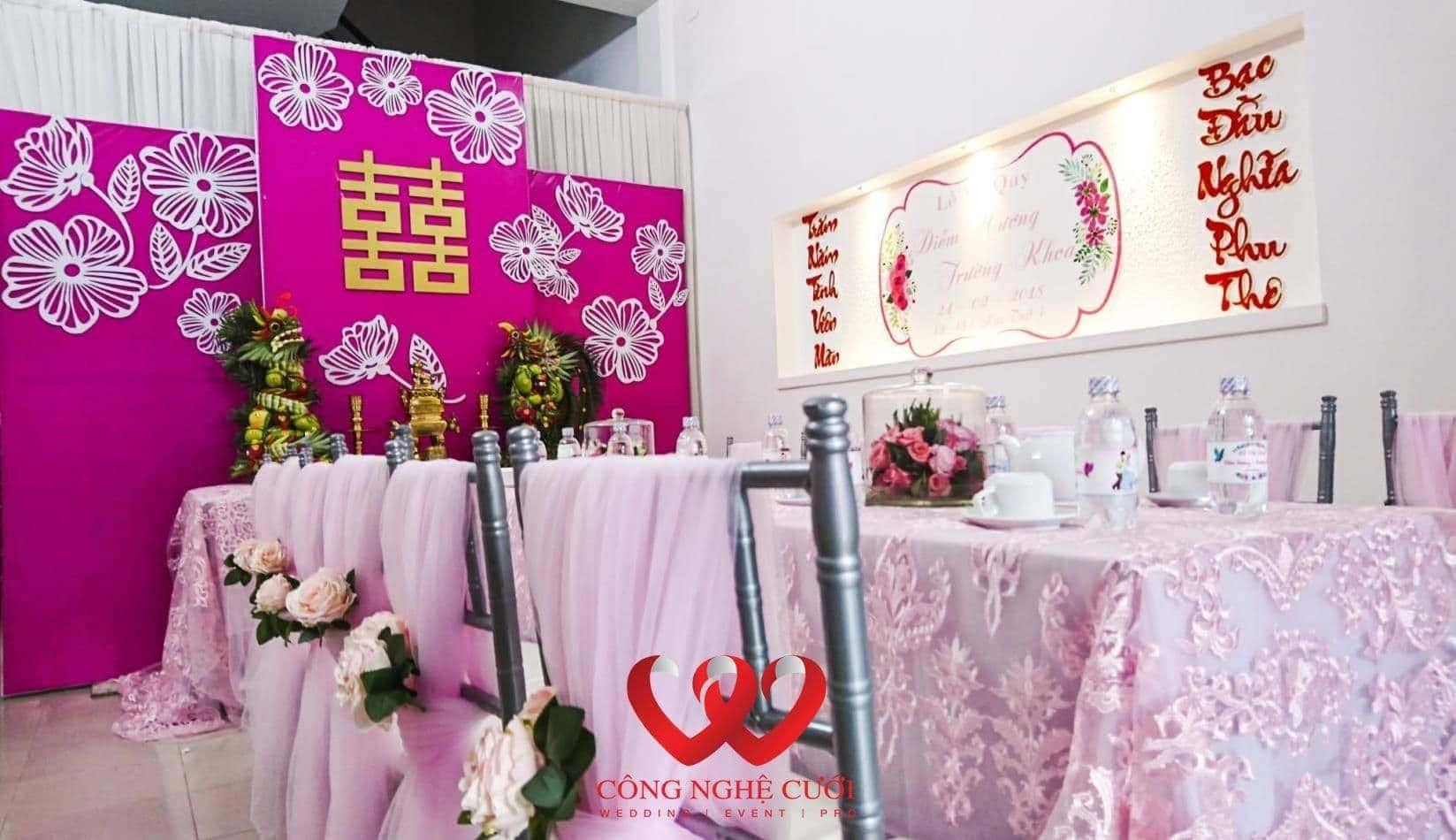 Trang trí nhà đám cưới tống màu hồng