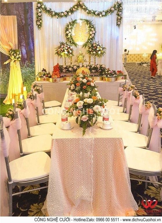 Trang trí lễ gia tiến đám cưới hồng pastel