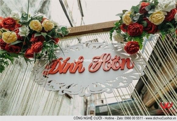 Cổng hoa lễ đính hôn nhà cô dâu