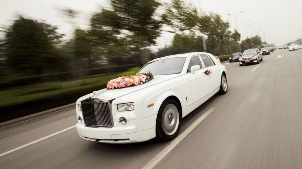 Cho thuê xe cưới đời mới
