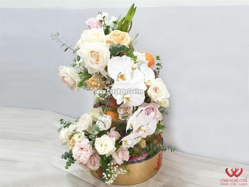 Mâm quả trái cây xếp tháp kết hoa